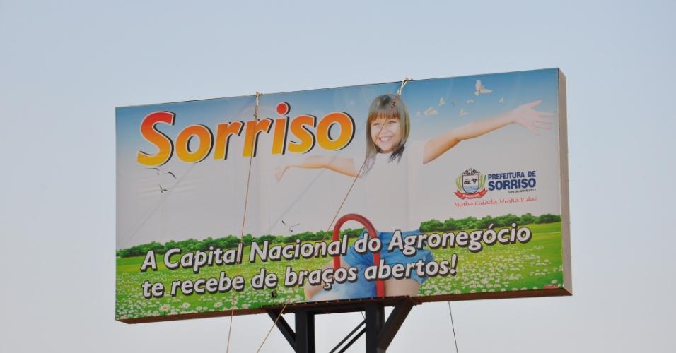 "Placa na entrada de Sorriso (MT) indica que a cidade é a ""capital nacional do agronegócio"""
