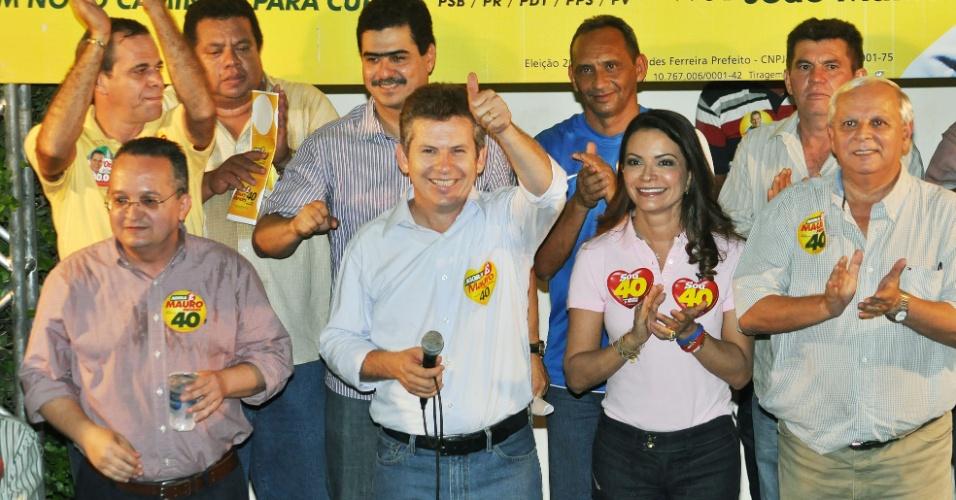 17.set.2012 - Líderes de bairros participaram de um ato de apoio à candidatura de Mauro Mendes (PSB), que concorre à Prefeitura de Cuiabá. Segundo a assessoria de imprensa, cerca de 500 pessoas participaram do movimento