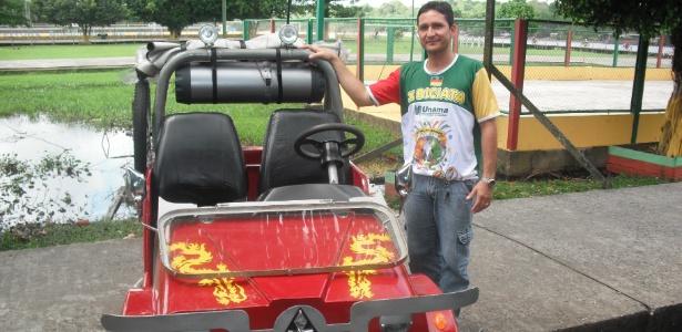 Morador transforma bicitáxi em jipe que custa R$ 10 mil  - Bárbara Therrie/UOL