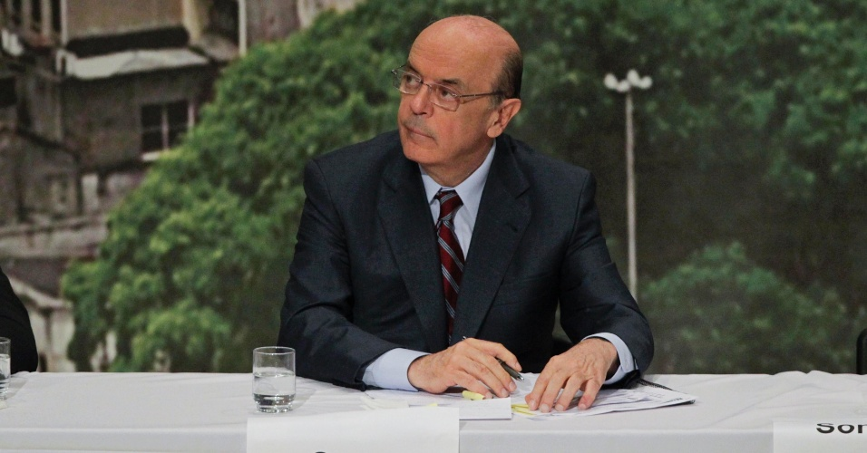 20.set.2012 - José Serra, candidato do PSDB à Prefeitura de São Paulo e segundo colocado na última pesquisa Datafolha divulgada hoje, participa do debate organizado pela Arquidiocese da capital. Celso Russomanno, que lidera a corrida eleitoral, não compareceu