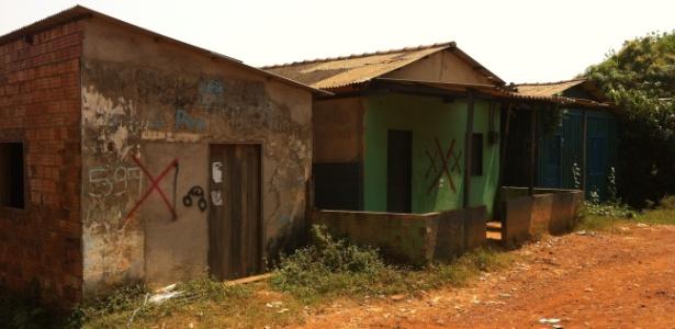 Casas condenadas viram residências de final de semana - Noelle Marques/UOL