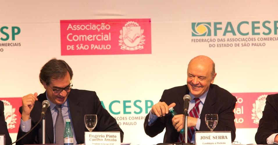 24.set.2012 - O candidato do PSDB à Prefeitura de São Paulo, José Serra, participa de evento promovido pela Associação Comercial de São Paulo, realizado no Hotel Renaissance, no bairro dos Jardins, em São Paulo, nesta segunda-feira