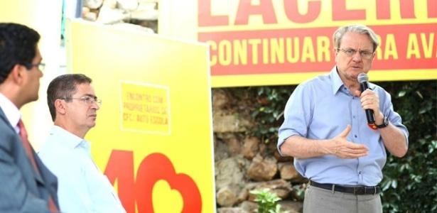 24.set.2012 - O prefeito e candidato do PSB à reeleição em Belo Horizonte, Marcio Lacerda, participou de encontro com proprietários de auto-escolas nesta segunda