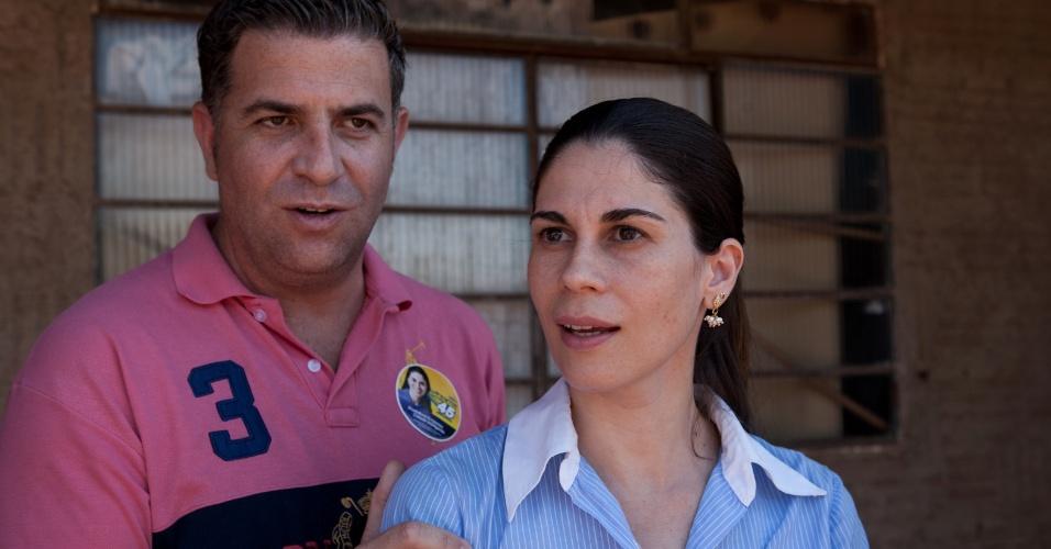 24.set.2012 - Pedrinho Eliseu, candidato do PSDB à Prefeitura de Araras, foi barrado pelo TSE (Tribunal Superior Eleitoral) e colocou a mulher, Gábi como candidata a prefeita