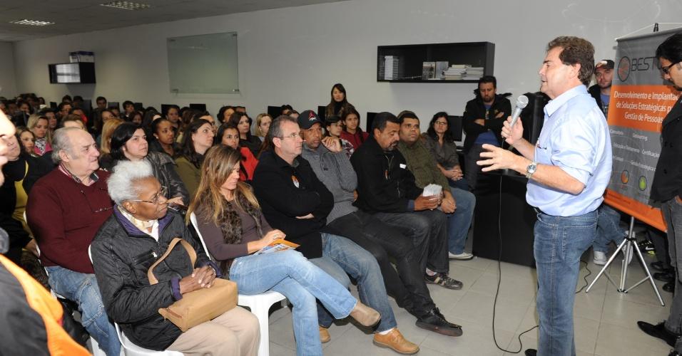 27.set.2012 - Paulinho da Força, candidato do PDT à Prefeitura de São Paulo, apresenta seu plano de governo no Ibrati (Instituto Brasileiro de Tecnologia da Informação)