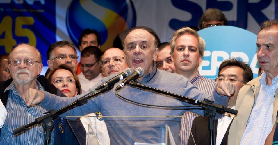 30;set.2012 - O candidato do PSDB à Prefeitura de São Paulo, José Serra, participa de comício na zona leste da cidade