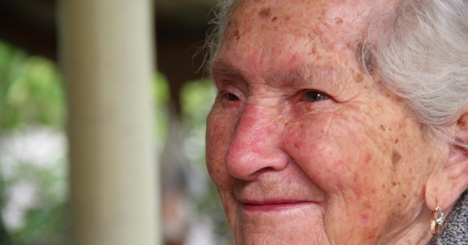 02.out.2012 - Catarina Sbardelotto, 94, é a pessoa mais velha da cidade com maior porcentagem de idosos no Brasil