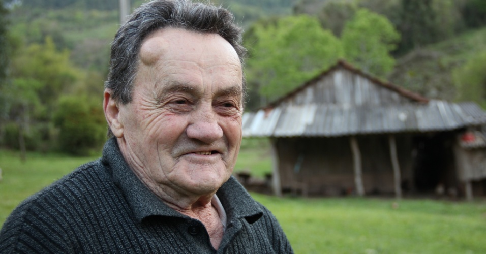 02.out.2012 - Fiorindo Delazeri, 92, foi convocado para a Segundo Guerra Mundial (1939-45), mas acabou dispensado