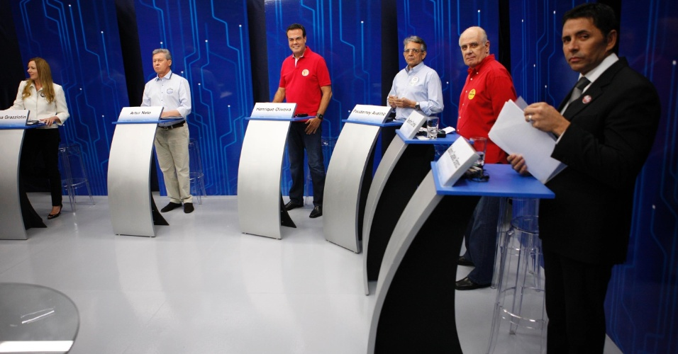 4.out.2012 - Os candidatos à Prefeitura de Manaus participam de debate da