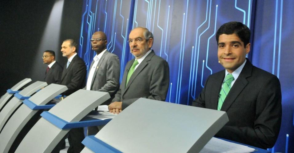 4.out.2012 - Os candidatos à Prefeitura de Salvador participam de debate da