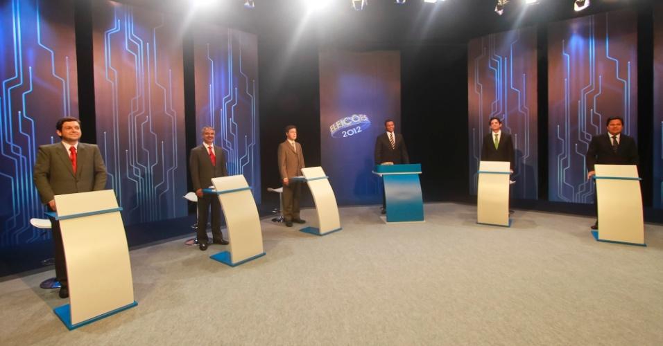 """4.out.2012 - Os candidatos à Prefeitura do Recife participam de debate da """"TV Globo"""" na noite desta quinta-feira. (Da esq. para a dir.) Geraldo Julio (PSB),Humberto Costa (PT), Roberto Numeriano (PCB), Daniel Coelho (PSDB) e Mendonça Filho (DEM)"""