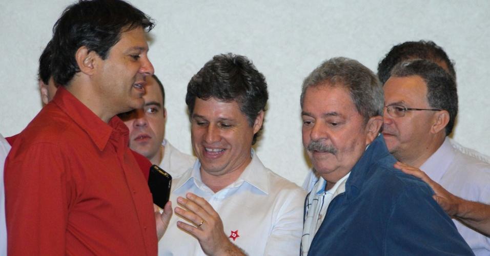 7.out.2012 - O ex-presidente Luiz Inácio Lula da Silva tomou café da manhã com o candidato à prefeitura de São Paulo, Fernando Haddad (PT) em um hotel