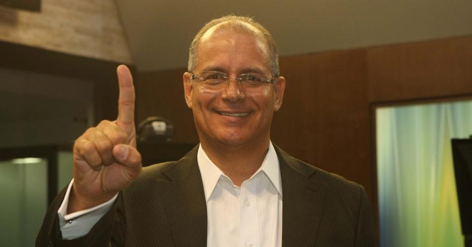 7.out.2012 - Bispo Fernando Luiz (PSB) é o vereador mais votado na cidade de Belo Horizonte (MG) com 11.950 votos