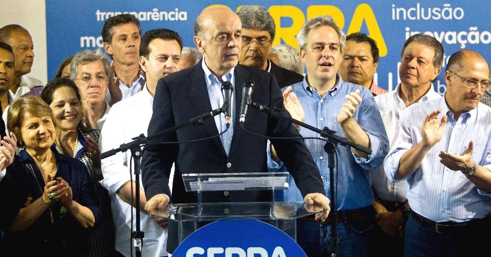 7.out.2012 - José Serra, candidato à Prefeitura de São Paulo pelo PSDB, comenta em coletiva na sede do PSDB sua ida ao segundo turno. Ele enfrentará Fernando Haddad (PT)