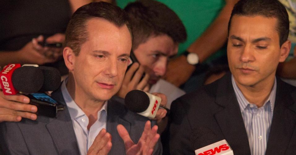7.out.2012 - O candidato a prefeito Celso Russomanno fala à imprensa sobre o resultado das eleições em São Paulo. Russomanno não conseguiu ir ao segundo turno