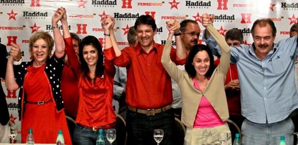 Haddad comemora sua ida ao segundo turno das eleições durante entrevista coletiva em São Paulo