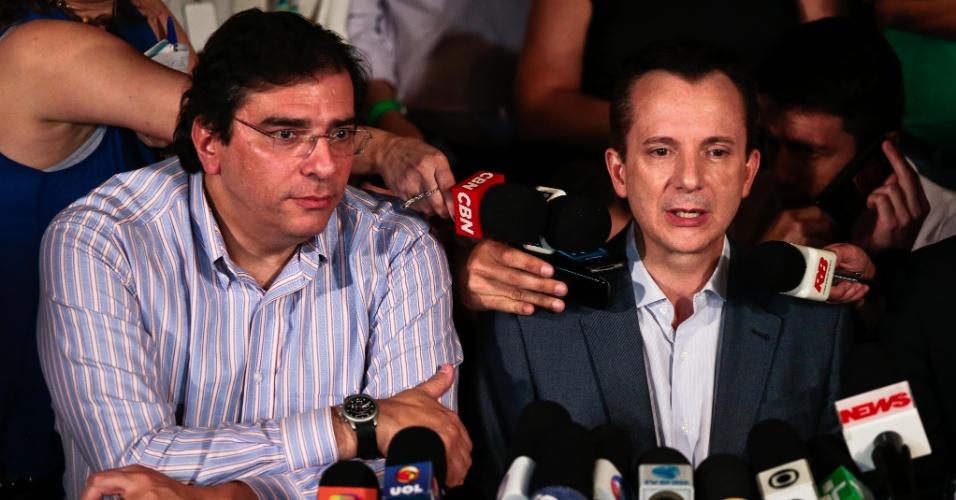 7.out.2012 - O candidato a prefeito pelo PRB, Celso Russomanno, fala em coletiva de imprensa sobre o resultado das eleições em São Paulo. Russomanno não conseguiu chegar ao segundo turno