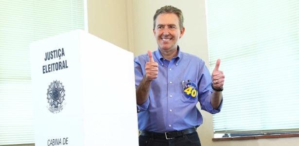 Prefeito e candidato à reeleição, Luciano Ducci (PSB) vota na região central de Curitiba