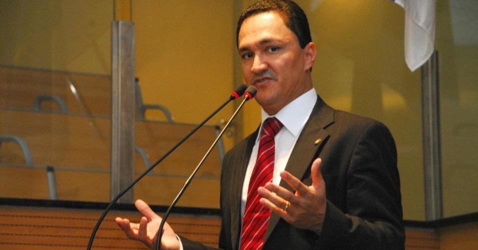 29.jun.2012 - O candidato a vereador André Ferreira
