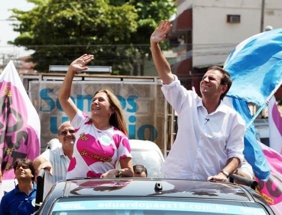6.out.2012 - A vereadora Rosa Fernandes faz campanha pelo RIo de Janeiro com o prefeito Eduardo Paes