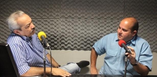 """9.out.2012 - O candidato do PSB à Prefeitura de Fortaleza (CE), Roberto Claudio, concede entrevista ao programa """"Grande Jornal"""", da rádio O Povo/CBN"""