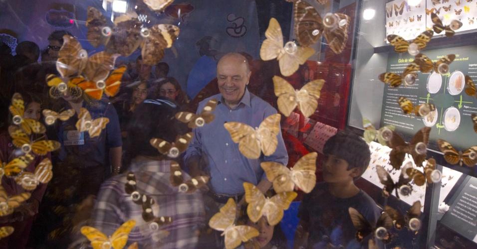 12.out.2012 - José Serra, candidato do PSDB à Prefeitura de São Paulo, visitou, com seus netos, o Catavento Cultural, no Palácio das Indústrias, na região central da cidade
