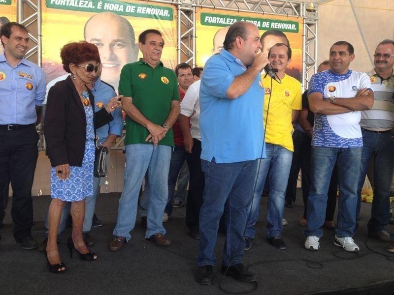 14.out.2012 - O candidato do PSB à Prefeitura de Fortaleza, Roberto Claudio, participa de reunião com integrantes do Sistema Complementar de Transporte Público.
