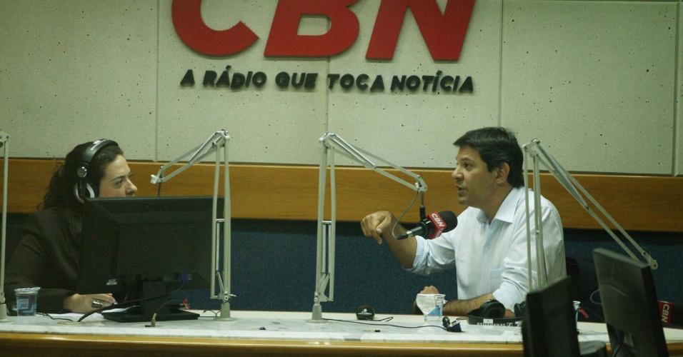 17.out.2012 - Fernando Haddad, candidato do PT à Prefeitura de São Paulo, concedeu entrevista à rádio