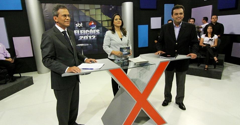 23.10.2012 - Os candidatos à Prefeitura de Natal, Hermano Morais (à esq.), do PMDB, e Carlos Eduardo (à dir.), do PDT, participaram de debate promovido pela TV Ponta Negra, afiliada do SBT