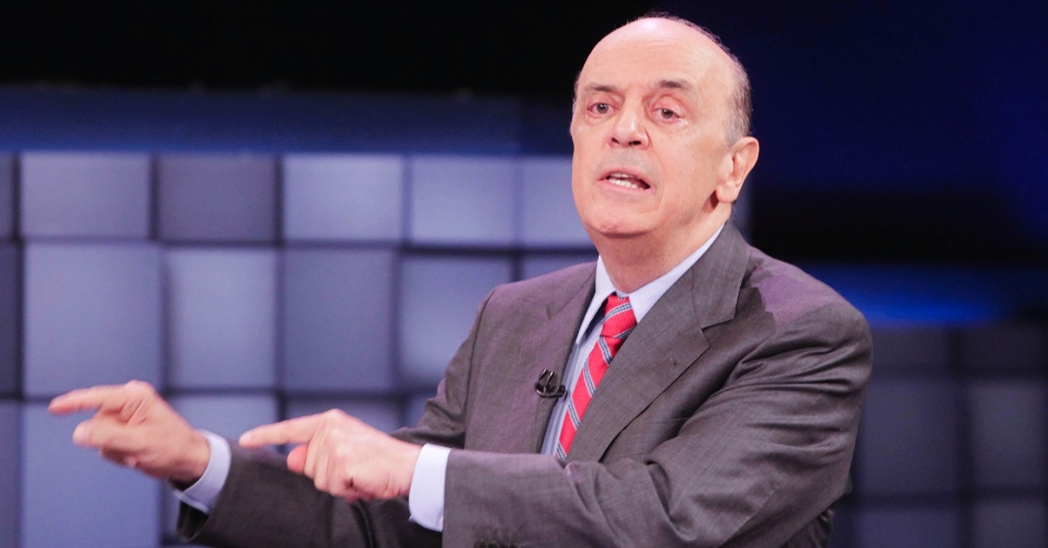 24.out.2012 - O candidato do PSDB à Prefeitura de São Paulo, José Serra, diz que os petistas passaram a considerar Gilberto Kassab (PSD), atual prefeito da capital que o apoia, um