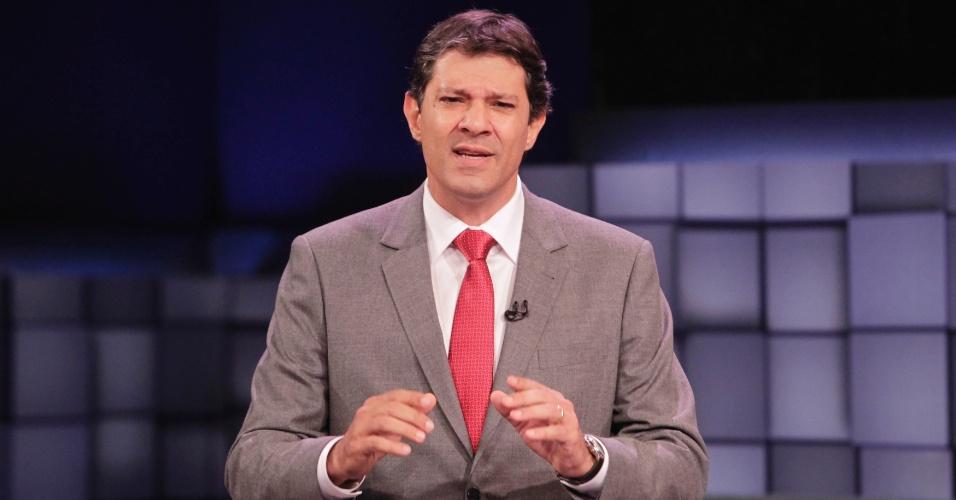 24.out.2012 - O candidato do PT à Prefeitura de São Paulo, Fernando Haddad, chamou a ação da polícia na cracolândia - região do centro da capital onde viciados em crack se reunem - de