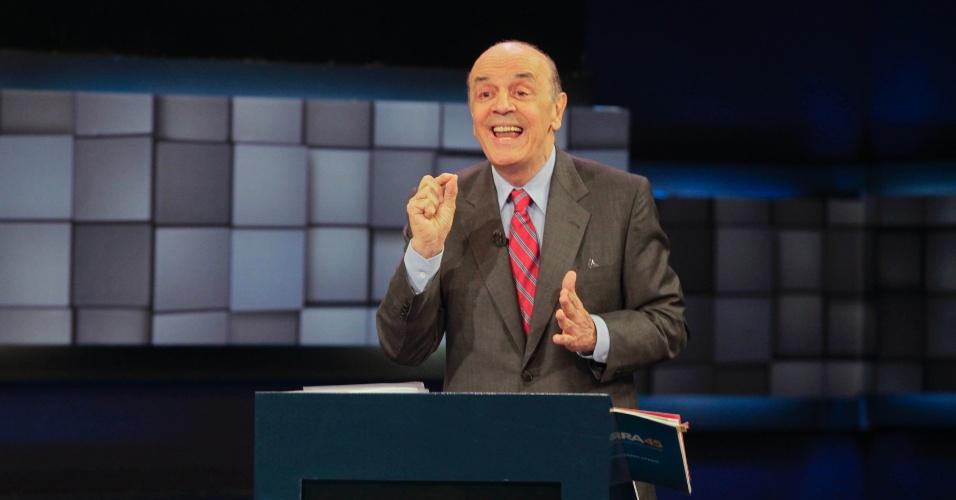 24.out.2012 - O candidato José Serra (PSDB) provoca Fernando Haddad (PT) em debate SBT UOL que acontece nesta quarta-feira na capital paulista