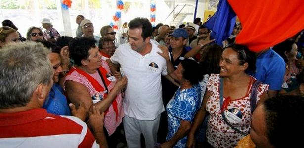 Durante a campanha, Carlos Eduardo (PDT) (centro) recusou o apoio da prefeita de Natal Micarla de Sousa