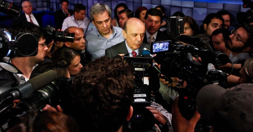 http://eleicoes.uol.com.br/2012/noticias/2012/10/24/mensalao-e-terceirizacao-na-saude-geram-ataques-em-debate-sbtuol-temas-foram-escolhidos-por-internautas.htm