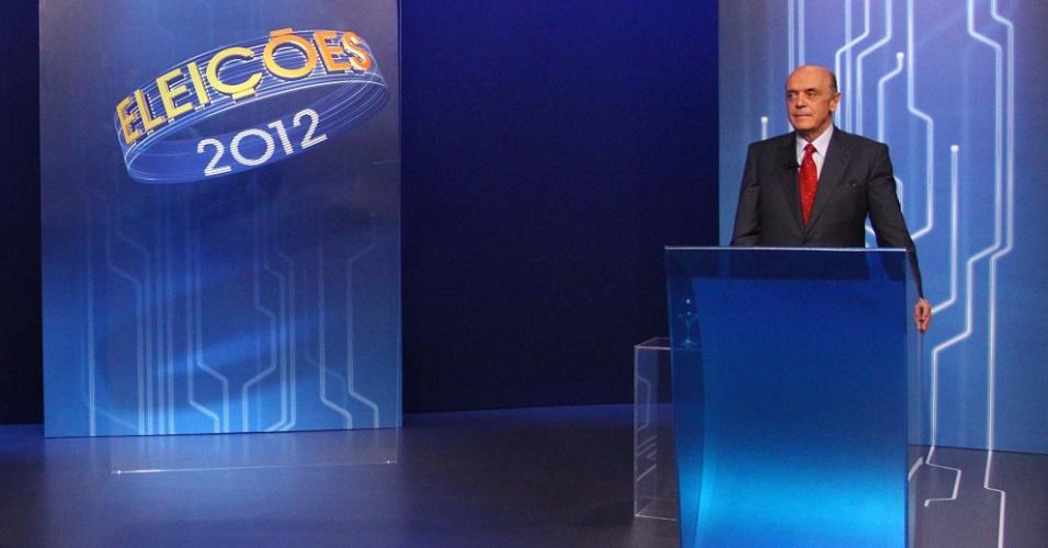 """26.out.2012 - Os candidatos à Prefeitura de São Paulo, Fernando Haddad (PT) e José Serra (PSDB), participam de debate da """"TV Globo"""" na noite desta sexta-feira"""