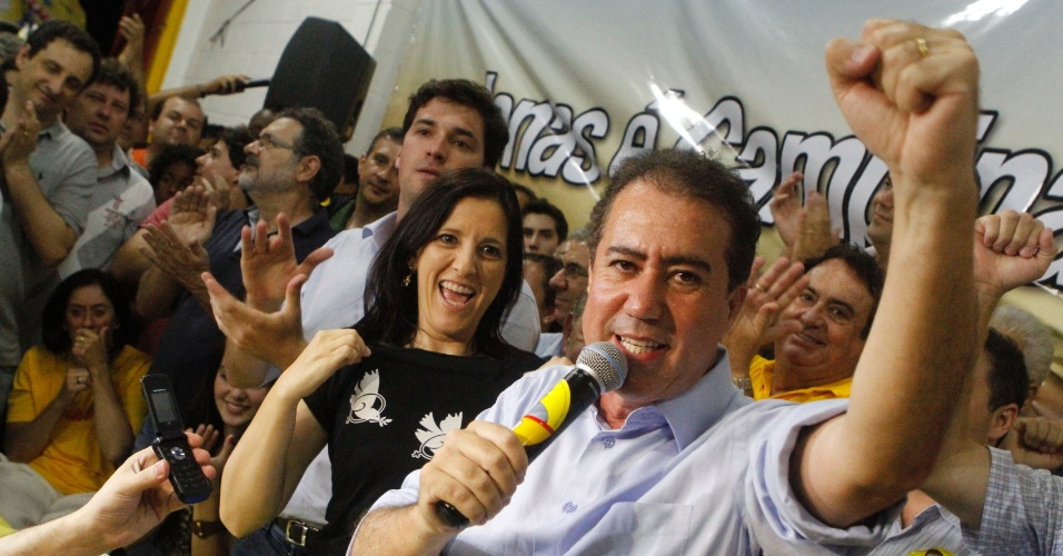 28.out.2012 - O deputado federal Jonas Donizette (PSB), à direita, venceu uma disputa acirrada com o ex-presidente do Ipea (Instituto de Pesquisa Econômica Aplicada) Marcio Pochmann (PT) e é o novo prefeito de Campinas