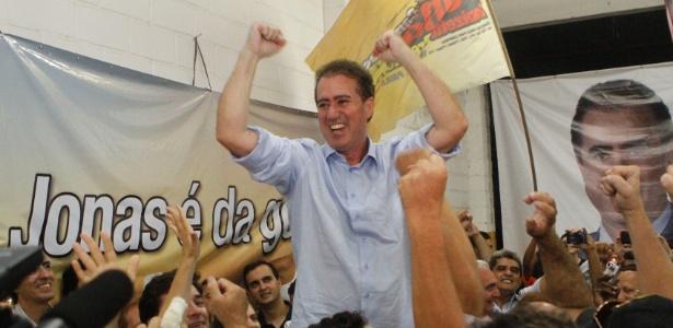 O deputado federal Jonas Donizette (PSB) comemora vitória em Campinas