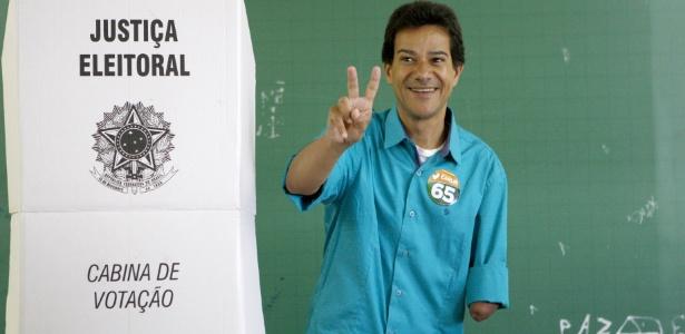 Carlin Moura (PC do B) foi eleito prefeito de Contagem (MG) neste domingo (28)