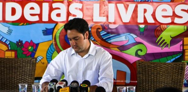 O deputado federal Ratinho Junior (PSC) concedeu entrevista coletiva nesta segunda-feira (29), na sua casa, no bairro São Braz. O candidato derrotado agradeceu os votos que recebeu